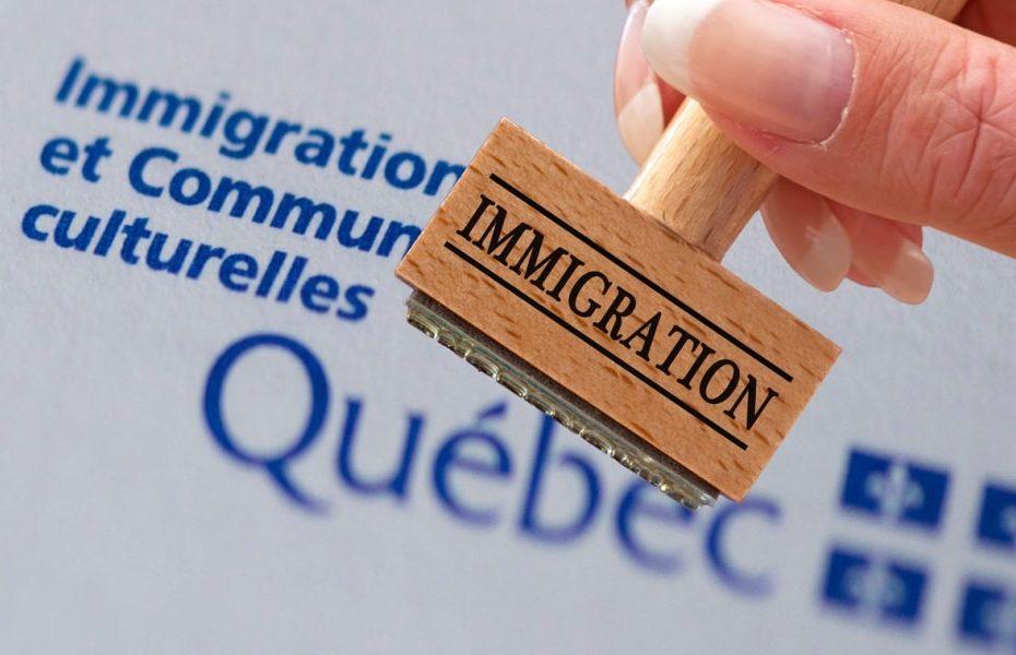 Les-delais-de-traitement-des-dossiers-dimmigration-au-Quebec-et-au-Canada_atlasemploi.com_